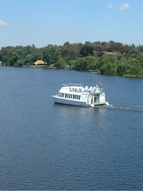 Cruise on the Vaal river